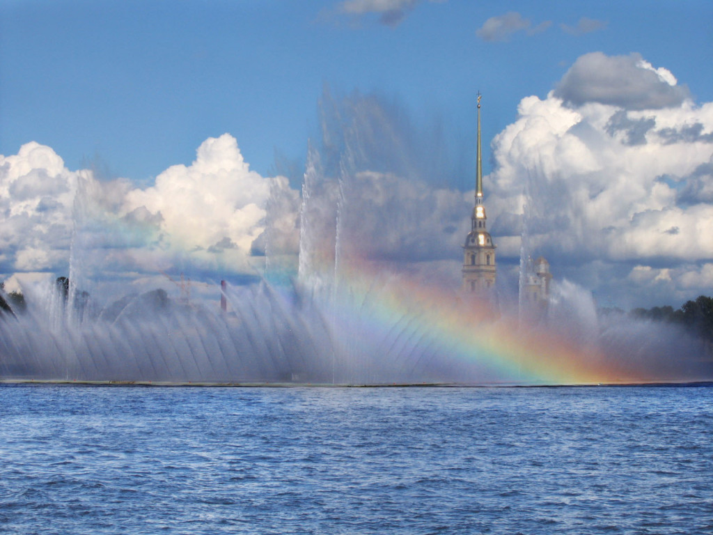 What to do in St. Petersburg in 1 day? Cross the Neva river and head over to Zayachy Island.