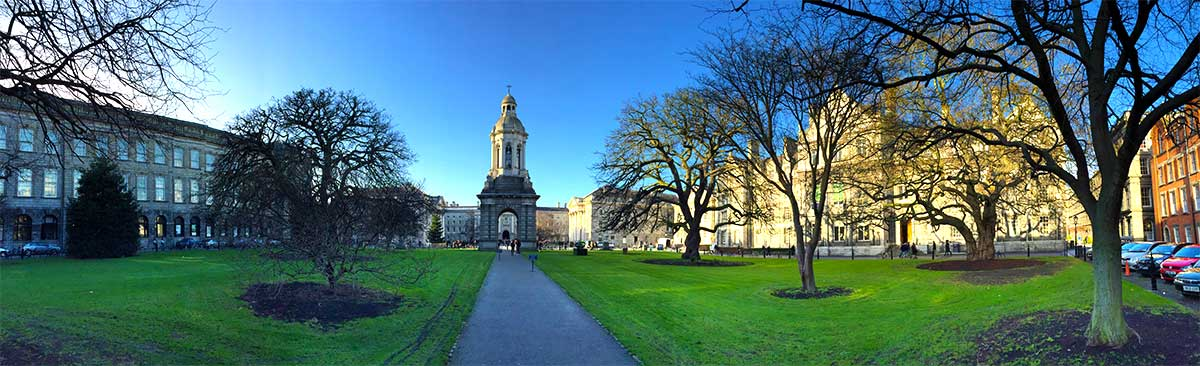Dublin is a great winter destination for your Christmas trip. Forget about the Christmas market but read my 5 reasons why you should go to Dublin in December and visit Trinity College.