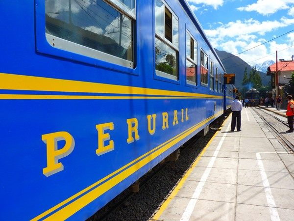 Everyone who visits Peru wants to go to Machu Picchu. But how to travel to Machu Picchu? I travelled by train to Machu Picchu and these are my experiences.