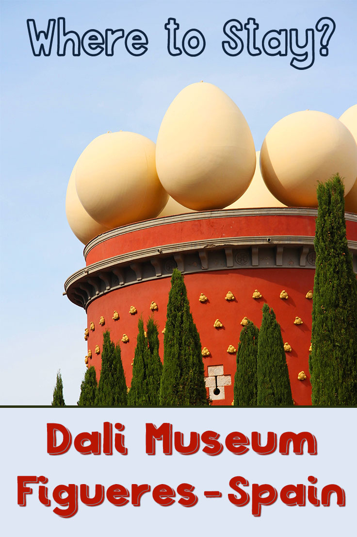 Where to stay when you visit the Dali Museum in Figueres Spain? Read my review of my night at the Museum Apartments Figueres in the hearth of the city