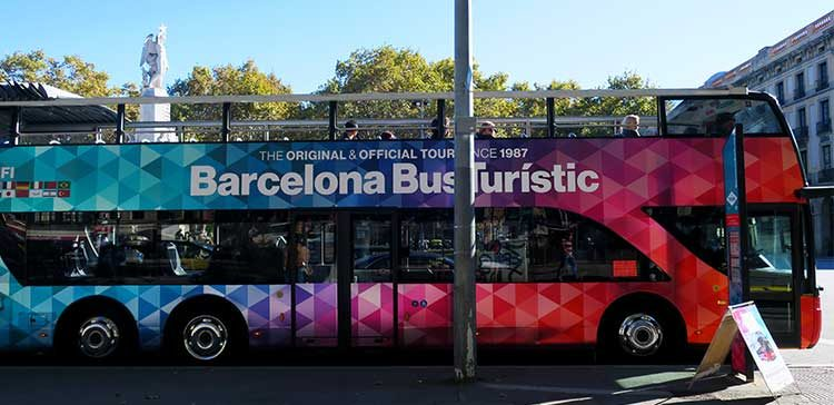 Tourist Bus Barcelona – Review of the Hop On Hop Off Tour Bus in Barcelona Spain
