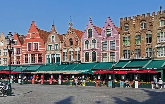 Ghent or Bruges? Which Belgium Cities to Visit (and Why!)