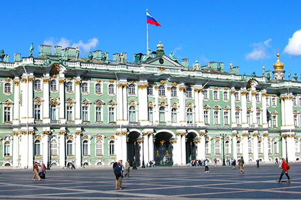 The Hermitage is one of the things to see in St. Petersburg Russia when you travel by train from St. Petersburg to Moscow.